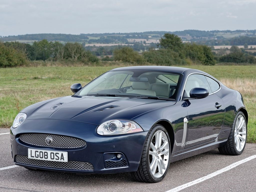 used jaguar xk xkr 4 2 supercharged coupe essex suffolk. Black Bedroom Furniture Sets. Home Design Ideas