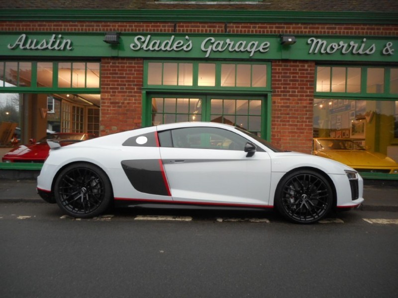 used Audi R8 V10 Plus Quattro Selection 24H in penn-buckinghamshire