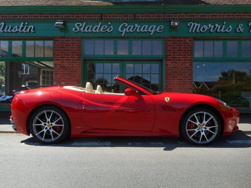 used Ferrari California DCT in penn-buckinghamshire