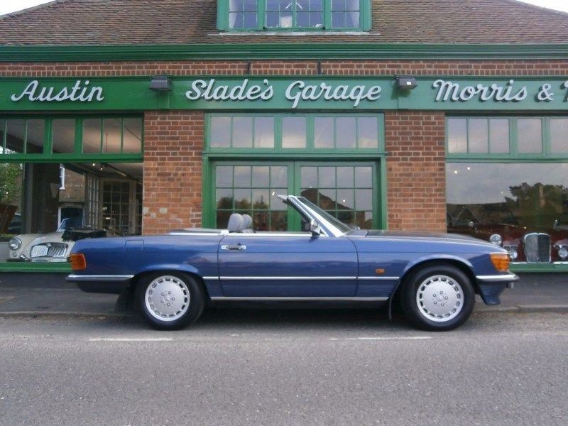 used Mercedes 300 SL 107 Automatic in penn-buckinghamshire