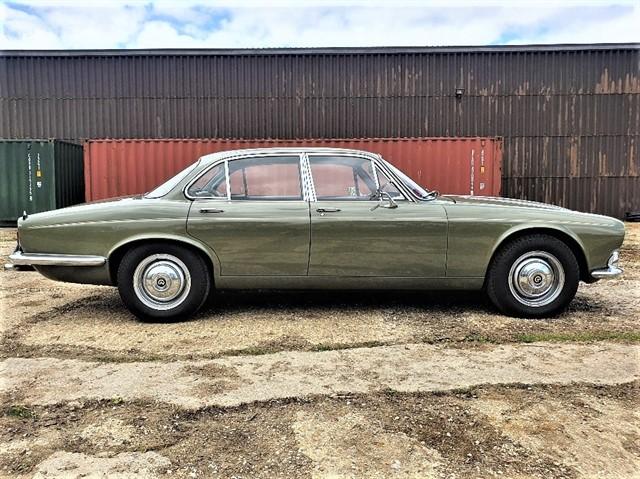 used Daimler Double Six Series 1 SWB in penn-buckinghamshire