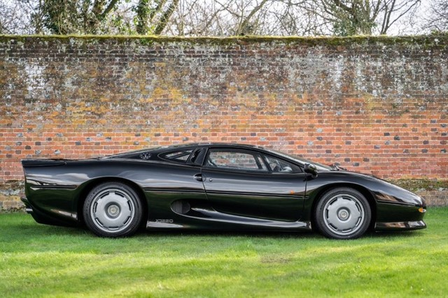 used Jaguar XJ220  in penn-buckinghamshire
