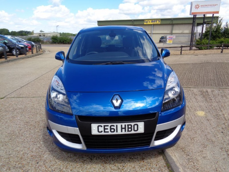 used Renault Scenic DYNAMIQUE TOMTOM DCI in ely-cambridgeshire