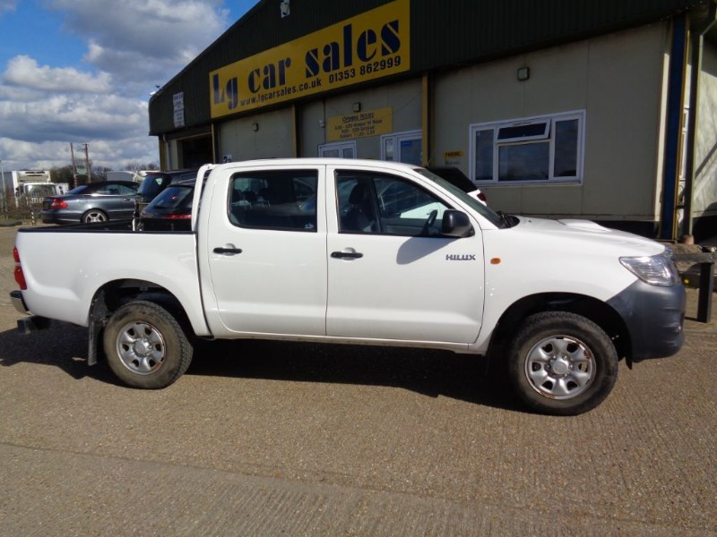 used Toyota  HI-LUX HL2 4X4 D-4D DCB in ely-cambridgeshire