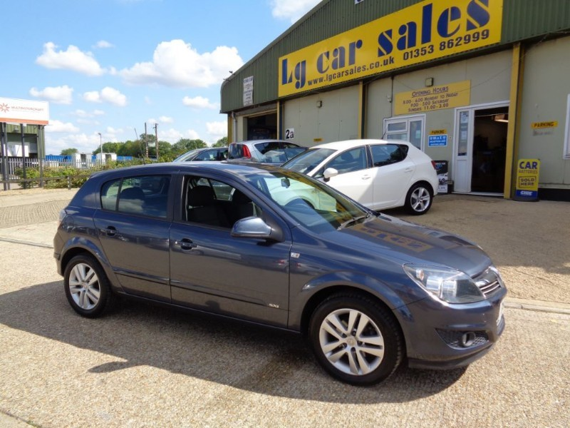 used Vauxhall Astra SXI in ely-cambridgeshire