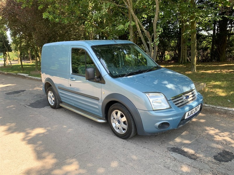 used Ford Transit Connect T200 LIMITED LR P/V CDPF in chelmsford-essex