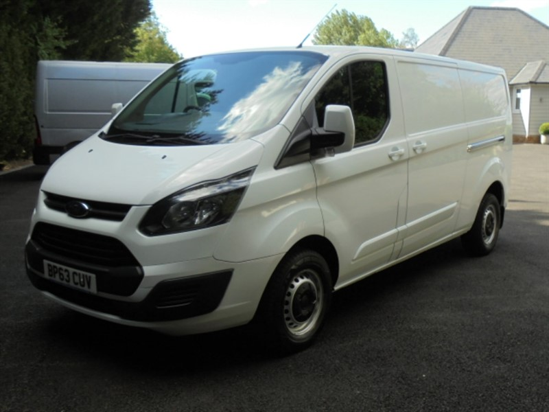 used Ford Transit Custom 290 LR P/V 125PSI LWB in chelmsford-essex