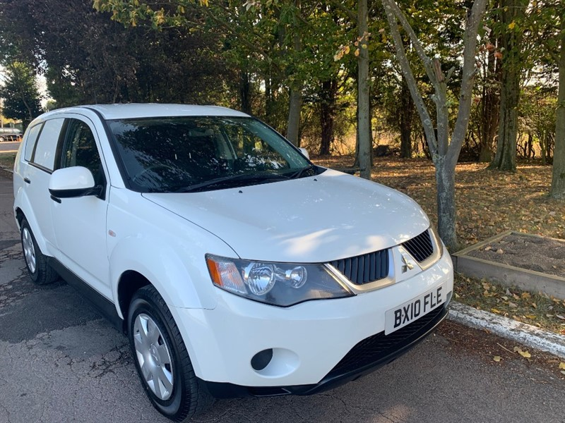 used Mitsubishi Outlander LWB COMMERCIAL 4WORK CDV in chelmsford-essex
