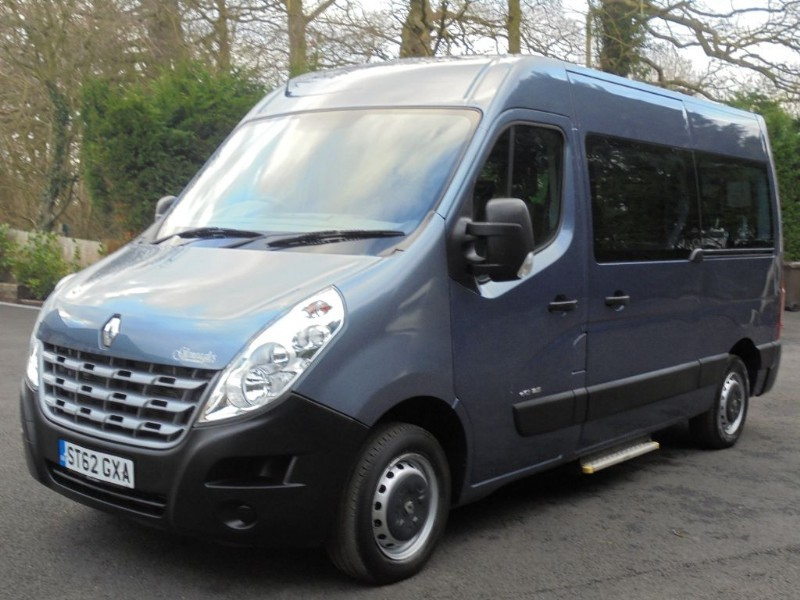 used Renault Master MM33 SPORT DCI S/R WELFARE ACCESS BUS  in chelmsford-essex