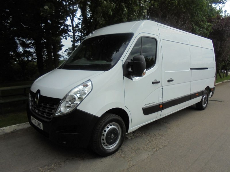 used Renault Master LM35 BUSINESS DCI S/R P/V in chelmsford-essex