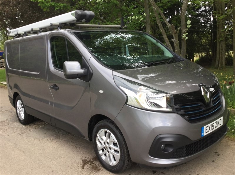 used Renault Trafic SL27 SPORT ENERGY DCI S/R P/V in chelmsford-essex