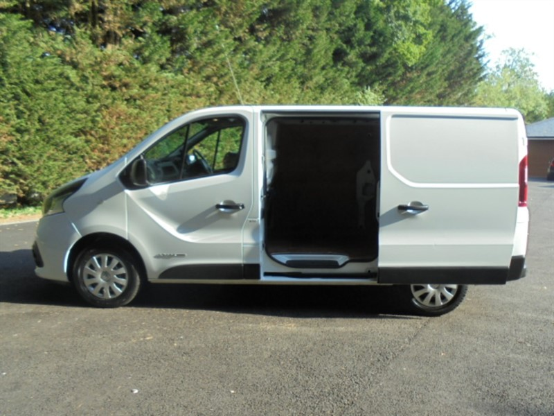 used Renault Trafic SL27 BUSINESS PLUS ENERGY DCI in chelmsford-essex