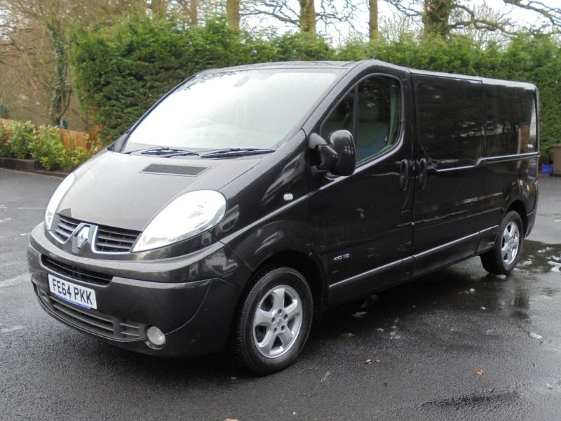 used Renault Trafic 115 SPORT LWB WITH AIRCON AND SAT NAV in chelmsford-essex