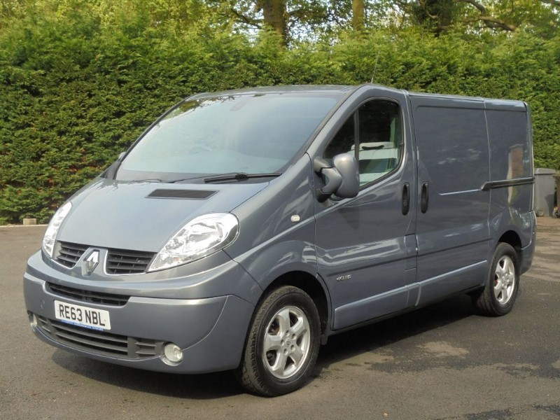 used Renault Trafic SL27 SPORT DCI S/R P/V in chelmsford-essex