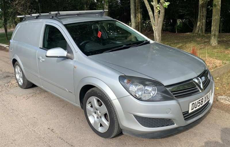 used Vauxhall Astra CDTI SPORTIVE in chelmsford-essex