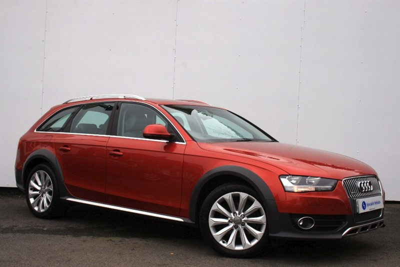 used Audi A4 allroad 2.0TDi QUATTRO~SAT NAV~HEATED LEATHER~PANORAMIC SUNROOF~FOLDING MIRRORS~FSH in plymouth-devon