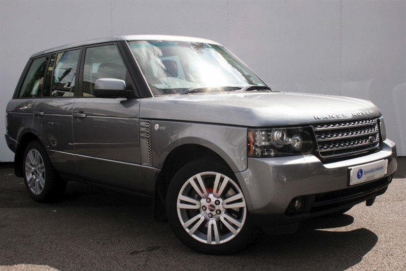 "used Land Rover Range Rover TDv8 Vogue ~ SATELLITE NAVIGATION ~ 20"" ALLOY WHEELS ~ HEATED LEATHER  in plymouth-devon"