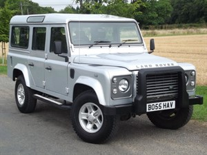 used Land Rover Defender 110 TD XS STATION WAGON - AIR CON - BLUETOOTH PHONE - SIDE STEPS in oxfordshire