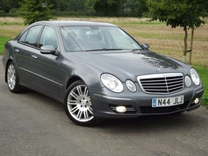 used Mercedes E320 CDI SPORT - VERY LOW MILES - IMMACULATE CAR in oxfordshire