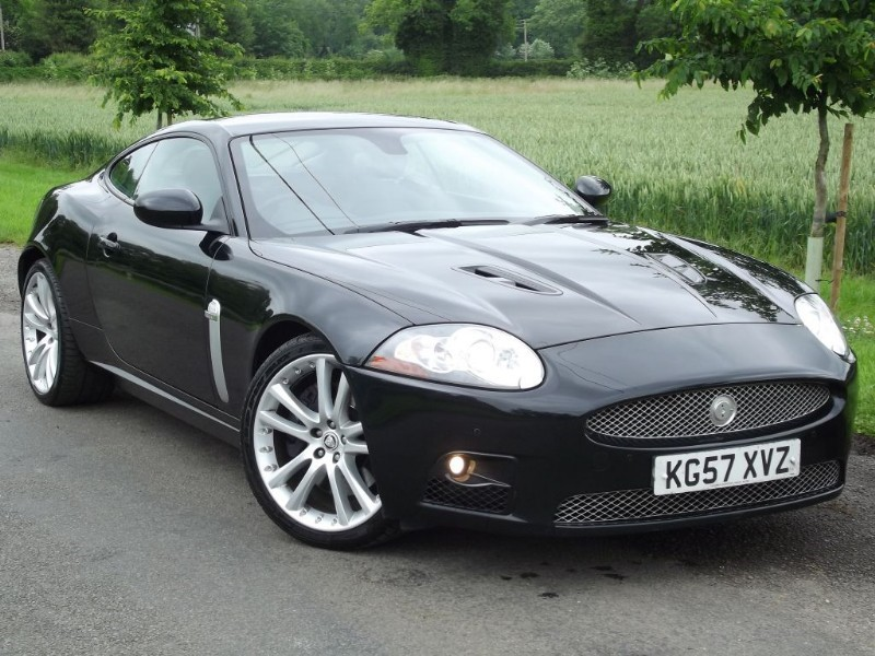 "used Jaguar XK XKR - STUNNING CAR - 20"" ALLOYS - ALPINE DSP Hi-Fi in oxfordshire"