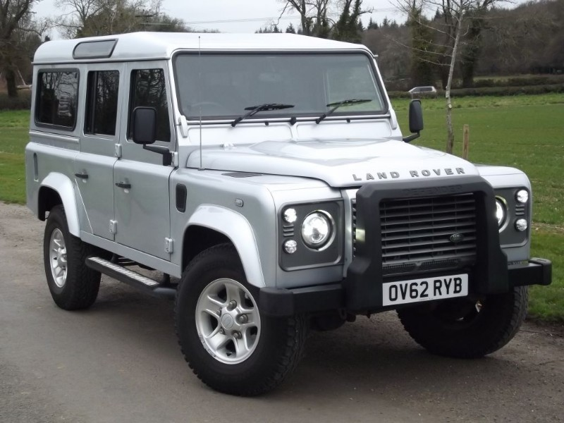 used Land Rover Defender 110 TD XS STATION WAGON - PRIVACY GLASS - NEW CLUTCH in oxfordshire