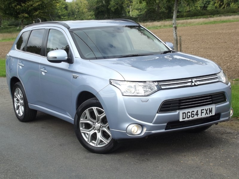 used Mitsubishi Outlander PHEV GX 4HS - LOVELY CLEAN EXAMPLE in oxfordshire