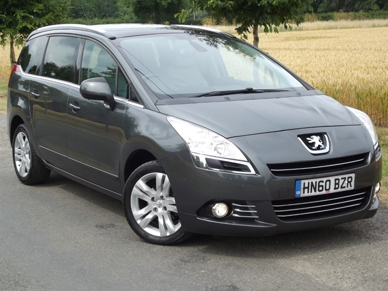 used Peugeot 5008 HDI EXCLUSIVE - FULL LEATHER - SAT NAV in oxfordshire