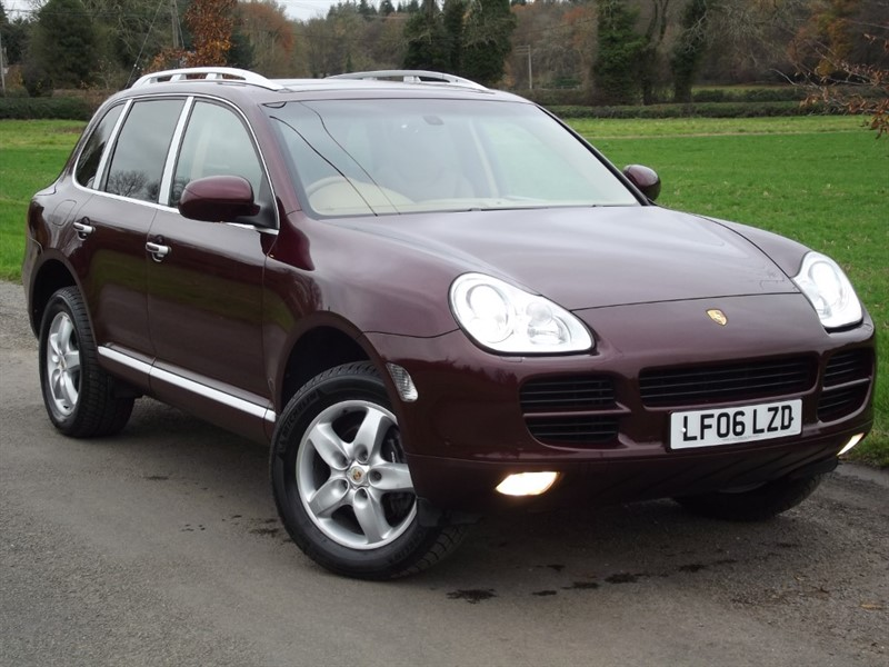 used Porsche Cayenne V6 TIPTRONIC - PANORAMIC ROOF - SAT NAV in oxfordshire