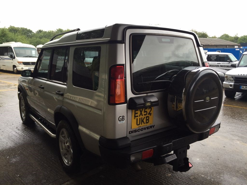 used land rover discovery td5 es 7 seater diesel for sale in cranleigh surrey from walton. Black Bedroom Furniture Sets. Home Design Ideas