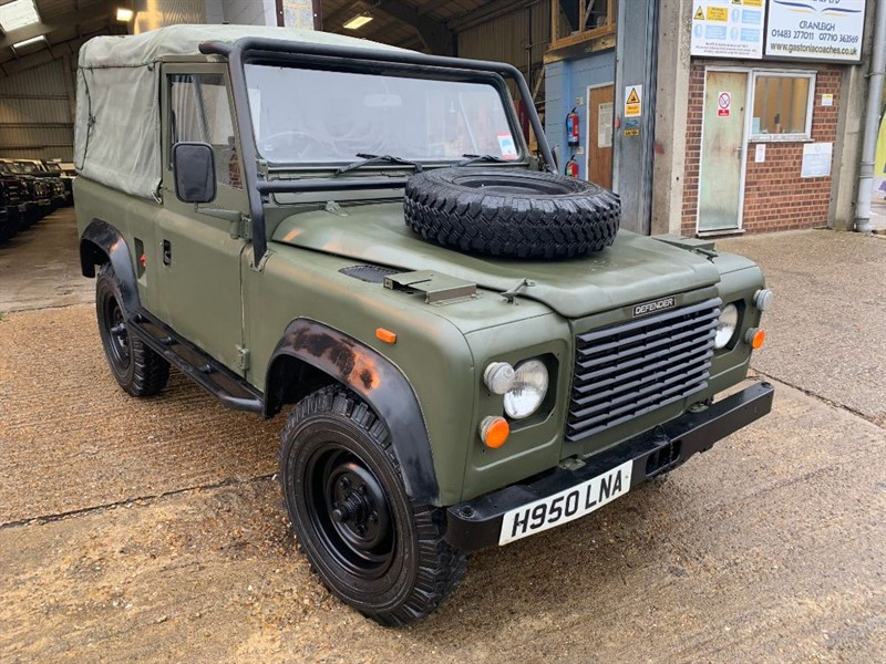 used Land Rover  90 4CYL REG **ONLY 30,000 MILES** in cranleigh-surrey