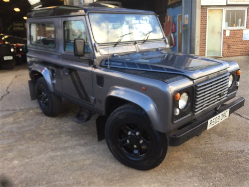 used Land Rover Defender 90 300 tdi county s/wagon just been resprayed in bonnetti grey in cranleigh-surrey