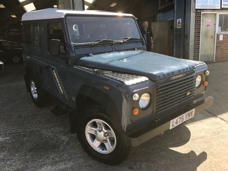 used Land Rover Defender 90 TDI COUNTY STYLE 7 SEATER in cranleigh-surrey