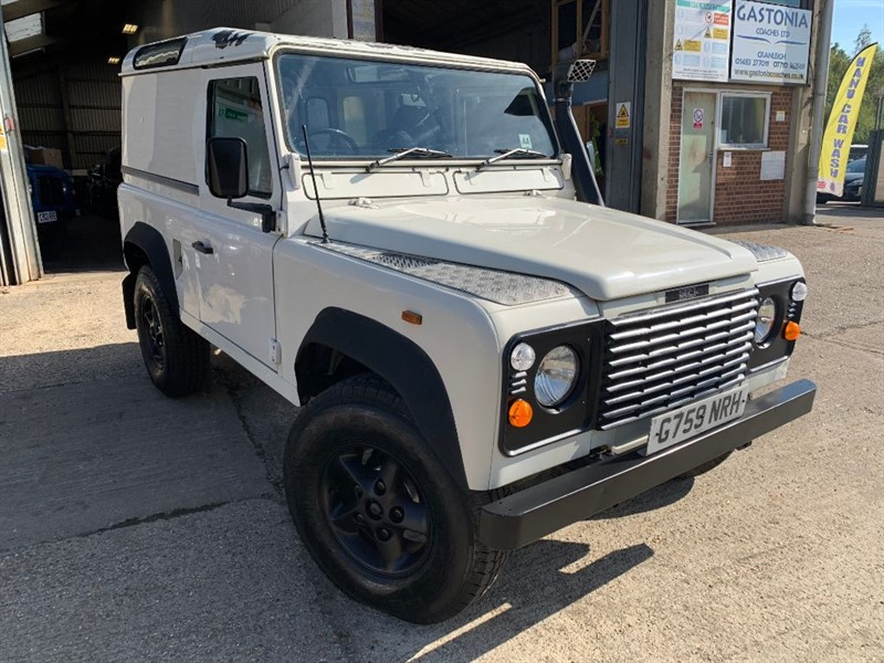 used Land Rover Defender 90 HARD TOP 200 TDI in cranleigh-surrey