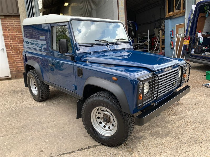 used Land Rover Defender 90 HARD-TOP TD5 **ONLY 81,000 MILES** in cranleigh-surrey