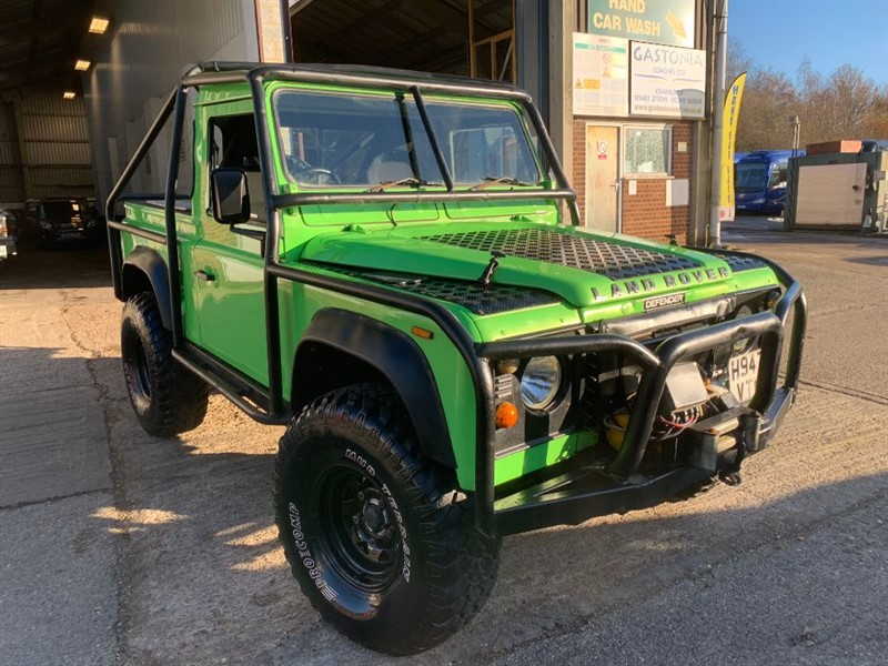 used Land Rover Defender 90 200 TDI PICK UP **OFF ROAD TOY** in cranleigh-surrey