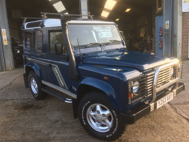 used Land Rover Defender 90 td5 genuine county station wagon only 80.000 fsh in cranleigh-surrey