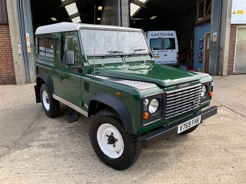 used Land Rover Defender 90 TD5 SW in cranleigh-surrey