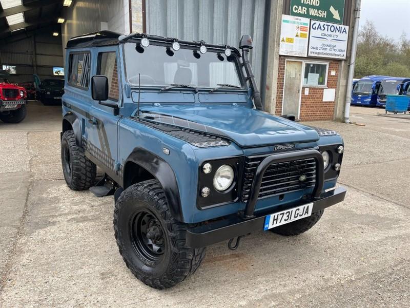used Land Rover Defender 90 4CYL REG 200TDI **U.S.A EXPORTABLE** in cranleigh-surrey