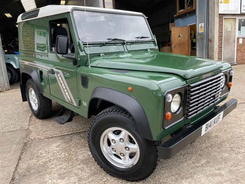 used Land Rover Defender 90 300 tdi only 74000 miles amazing condition  in cranleigh-surrey