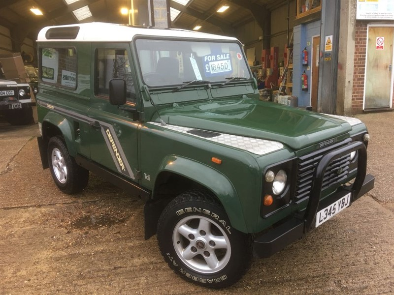 used Land Rover Defender 90 COUNTY 200 TDI USA EXPOTABLE in cranleigh-surrey