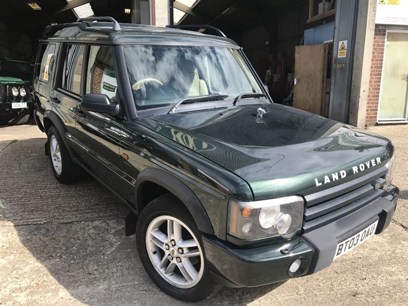 used Land Rover Discovery TD5 XS 7 SEATER in cranleigh-surrey