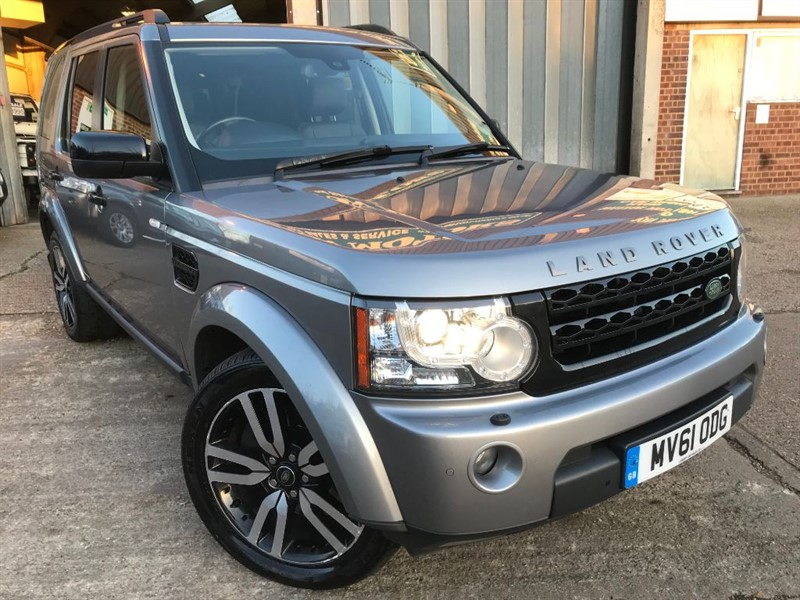 used Land Rover Discovery 4 SDV6 LANDMARK LE in cranleigh-surrey