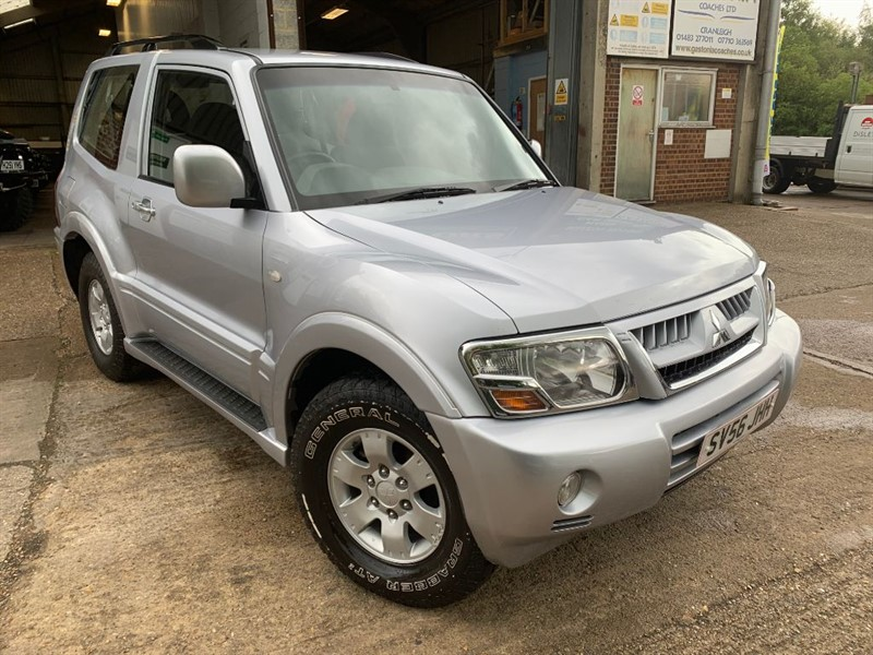 used Mitsubishi Shogun EQUIPPE SWB DI-D **DRIVE AWAY TODAY NEW M.O.T** in cranleigh-surrey