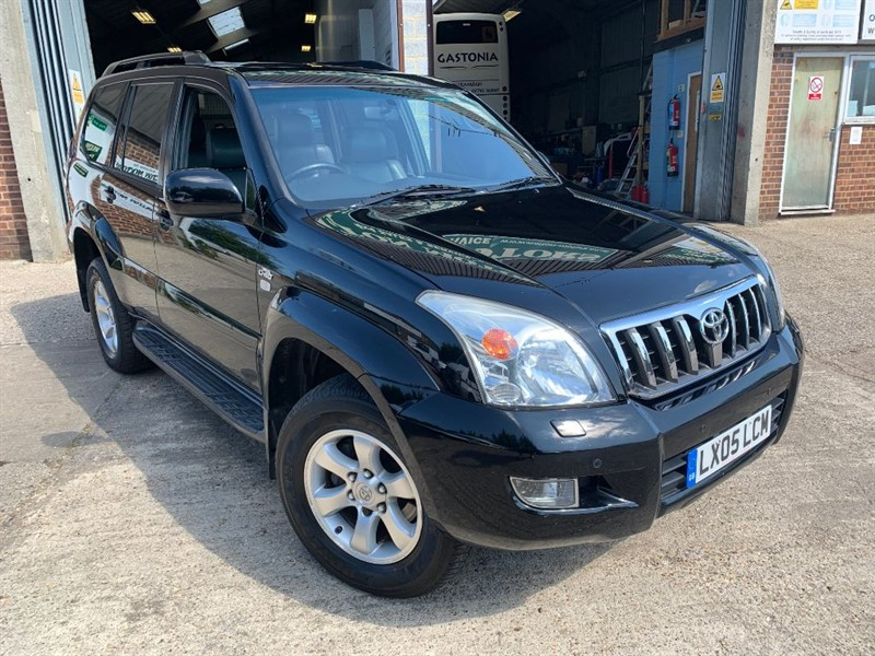 used Toyota Land Cruiser LC5 8-SEATS D-4D in cranleigh-surrey
