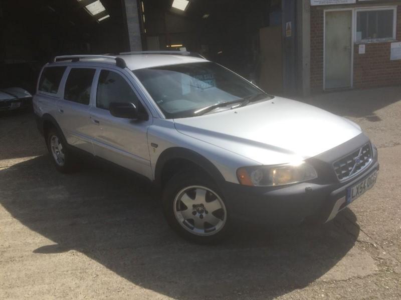 used Volvo XC70 D5 SE AWD auto in cranleigh-surrey