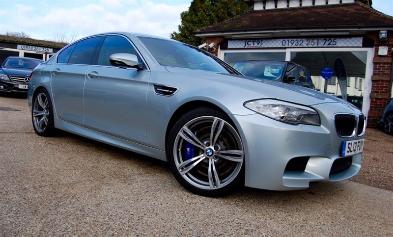 used BMW M5 FULL BMW MAIN DEALER SERVICE HISTORY in shepperton-surrey