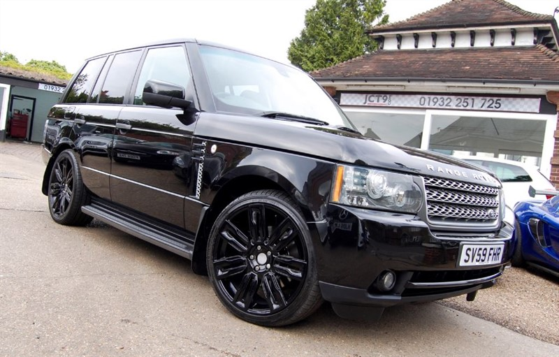 used Land Rover Range Rover TDV8 VOGUE SE   2010 MY   FSH   DUALVIEW in shepperton-surrey
