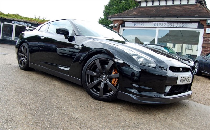 used Nissan GT-R BLACK EDITION   UNMODIFIED EXAMPLE in shepperton-surrey