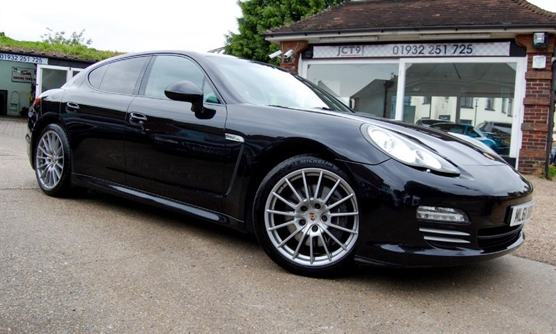 used Porsche Panamera V6 4 PDK   OVER 6K OPTIONS in shepperton-surrey
