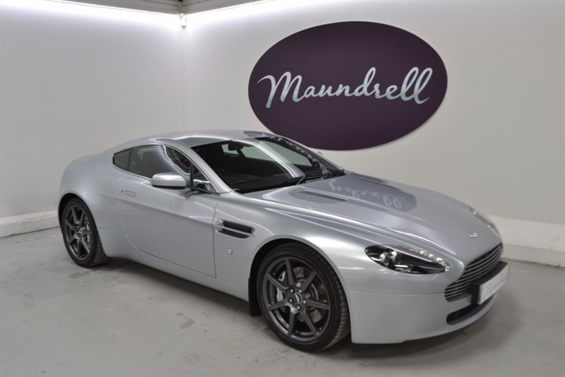 used Aston Martin Vantage V8, two tone leather, Navigation, Two Tone Leather in oxfordshire